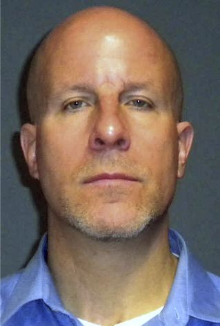 Teacher charged with sexually assaulting student pic 100